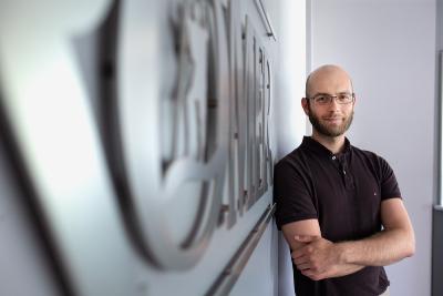 Zufrieden ist Marc Böttler von Aqua Römer mit dem Umbau der Reinigungsmaschine, der nur einen Bruchteil einer Neuanschaffung gekostet hat