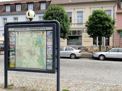 Auf dem Marktplatz und vor der Touristeninformation in Kyritz an der Knatter ist WLAN frei verfügbar.