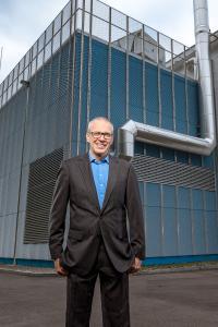 René Lüscher, Leiter IT-Solutions und Mitglied der Geschäftsleitung GIA Informatik AG, vor dem neuen Datacenter auf dem Littauerboden in Luzern