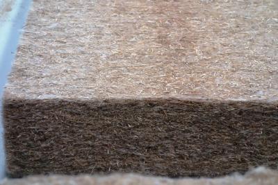 Natürlich von INTHERMO: Klima-Hanf in Form von Dämmmatten eignet sich ideal zum Auskleiden der Wand-, Decken- und Dachgefache im Holzrahmen- und Holzfertigbau (Foto: Achim Zielke für INTHERMO, Ober-Ramstadt; www.inthermo.de)