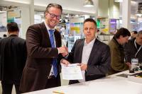 Die HARTING Technologiegruppe und die Expleo Germany GmbH haben im Rahmen der Messe SPS 2019 in Nürnberg eine Kooperationsvereinbarung abgeschlossen. Im Bild (v. l.) Philip Harting, Vorstandsvorsitzender HARTING Technologiegruppe, Peter Seidenschwang, Head of Industry bei Expleo in Deutschland. Bildquelle: HARTING
