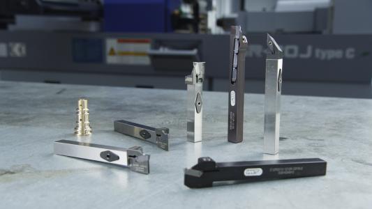 """Das clevere Wechselkopfsystem XHeadClamp ist eines von vielen weiteren innovativen Werkzeugen für Langdrehmaschinen im neuen Spezialkatalog von WNT """"Werkzeugauswahl fürs Langdrehen"""""""