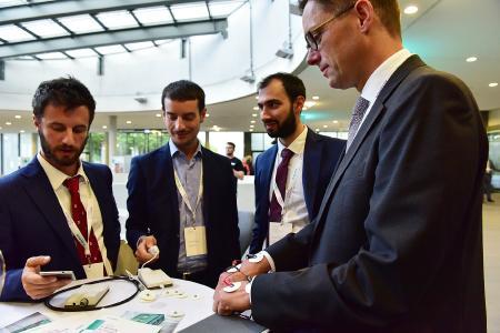 B. Braun-Vorstand Markus Strotmann mit Startup-Vertretern von BOCA Health (Bild: B. Braun Melsungen AG )
