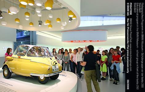 Zweiter Familiensonntag im BMW Museum
