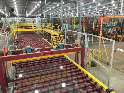 In total, the Mooresville plant consists of one main line, three automatic and seven manual side legs. The three automatic side legs have a total of eight stacking options - the cut flat glass is stacked on racks using direct stackers, swing arm stackers and robots. Source: Cardinal FG
