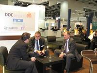Michael Latz (links) im Gespräch auf der conhIT