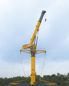 Der Fahrzeugkran GTK 1100 des amerikanischen Herstellers Grove wird in Wilhelmshaven produziert. Er ist besonders für Einsätze, bei denen große Hubhöhen erforderlich sind, geeignet – beispielsweise an Windkraftanlagen (Foto: Manitowoc)