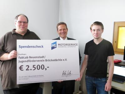 Motorservice spendet 2.500 Euro an FabLab Neuenstadt