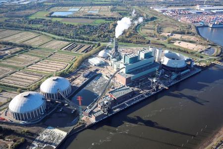 Das Heizkraftwerk Tiefstack und das Kraftwerk Moorburg können während der langen Nacht der Industrie besichtigt werden - Moorburg Luftbild Süderelbe