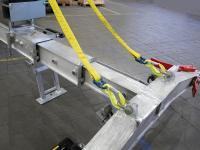 Durch die telekopierbare Bauweise kann die Traverse 10-, 16- und 20-Fuß-Container heben.