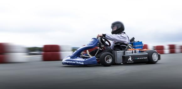 E-Kart-Fahrer Tim Fellendorf (Hochschule Osnabrück) auf dem Weg zum neuen Weltrekord
