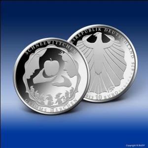 """Jetzt bei Bayerisches Münzkontor gegen 10 Euro tauschen: Die neue 10 Euro-Gedenkmünze des Bundes """"Schneewittchen"""" (Bild: Bundesministerium der Finanzen)"""