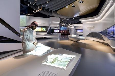 Exclusive exhibition furniture made of solid surface material enriches Gallery 4. Special constructions require static calculations.
