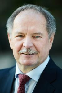 Dr. Peter Merten