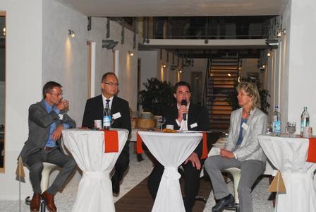 """""""Marktmacher im Dialog"""" Podiumsdiskussion mit Jürgen Burger, Dr. Erich Koetter, Armin Dressler und Ira Melaschuk (von links)"""