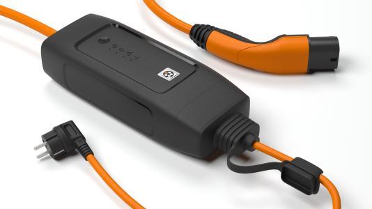 Mit dem IC-CPD (In Cable Control and Protection Device) können Elektroautos bequem und sicher an haushaltsüblichen Steckdosen geladen werden