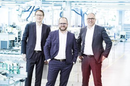 The LAUDA DR. R. WOBSER GMBH & CO. KG has been continuously listed in the world market leader index of the University of S. Gallen since 2015. Photo: CFO Dr. Mario Englert, President and CEO Dr. Gunther Wobser and COO Dr. Marc Stricker (from left)