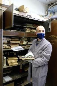 Erste Sichtung des Materials durch die erfahrenen Firmenhistoriker