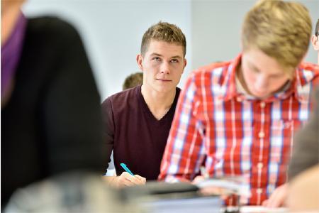 Das Probestudium bietet einen kostenlosen Vorgeschmack auf das ausbildungs- und berufsbegleitende Studium an der Hochschule Weserbergland