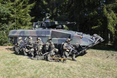 """System Panzergrenadier"": Rheinmetall modernizing Puma infantry fighting vehicle and other equipment for NATO spearhead VJTF 2023"