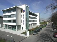 Die Firmenzentrale in Dachau.