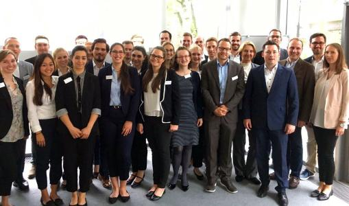 Paderborn University students together with employees and customers from Arvato Systems