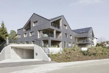 Das erste emissionsfreie Energiesparhaus im Schweizer Brütten verzeichnet Erfolgsbilanz