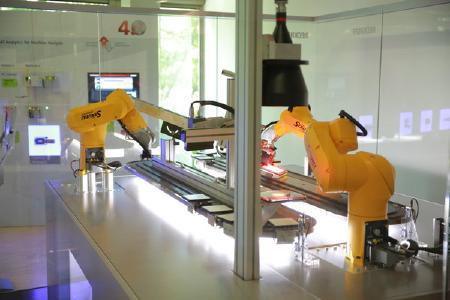 Beckhoff Demonstrator verdeutlicht hochperformante Steuerungstechnik und Scientific Automation