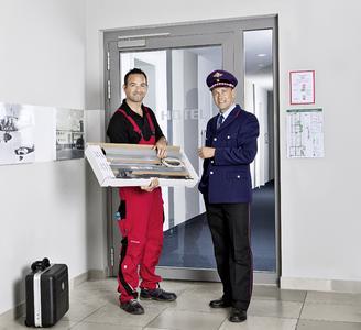 Dank des ASSA ABLOY Sicherheits-Türschließers können Gebäudebetreiber Feuer- und Rauchschutztüren auch im Nachhinein mit einer Rettungswegverriegelung ausstatten. Foto: ASSA ABLOY Sicherheitstechnik GmbH