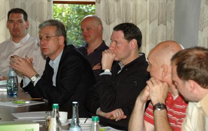 Prothetik trifft Wissenschaft (v. links): ZTM René Gerhold, Prof. Peter Pospiech, ZTM Thomas Arnold, Prof. Joachim Tinschert, ZTM Frank Mazur, ZTM Marcel Unger