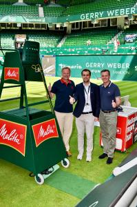 The Han-Eco® connectors will be installed in the umpires' chairs and used in the matches between the first-class players at the tournament. Detlef Sieverdingbeck (left), General Manager Communication and Public Relations at HARTING, and Stefan Olding (right), Managing Director HARTING Deutschland GmbH & Co. KG, and Stephan Pumpe from Marketing of GERRY WEBER WORLD are satisfied with the cooperation