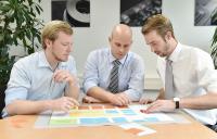 Theorie und Praxis: In einer Fallstudie können die Seminarteilnehmer das neu erworbene Wissen direkt praktisch anwenden. (Foto: Ralf Büchler, IPH)