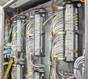Die patentierte Abschaltfunktion ist bei diesen Ventilen mit einem zweiten Anschluss realisiert, über den der Stromkreis der Magnetspule unterbrochen werden kann. (Quelle: Bürkert Fluid Control Systems)