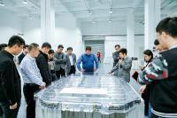 Mit SKS Technologie geschweißte Batteriewanne eines führenden Fahrzeugherstellers in der Schweißmusterausstellung