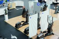 Die Trennwände von Söhner Kunststofftechnik finden in vielen Bereichen des öffentlichen Lebens Anwendung, zum Beispiel auch in Fitnesseinrichtungen.