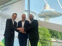 BITMi-Präsident Dr. Oliver Grün, Mitglied des Vorstandes Deutsche Messe AG Dr. Andreas Gruchow und eco-Geschäftsführer Alexander Rabe (v.l.) vor der Pressekonferenz in Hannover