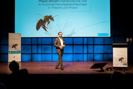 Jan Doering, Moderator