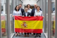 Cristina Redondo Pumar, Tobias Schulte, Iván Fernández Ro-dríguez, Monika Wagner, Enrique Quirós Hoppe und Katarzyna Quirós Hoppe (v.l.n.r.) werden ab Januar 2020 als Team der LIS Iberia spanische und portugiesische Kunden bedienen. (Foto: LIS AG)