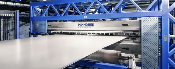 Reinigungssysteme von Wandres micro-cleaning entfernen zuverlässig Schleifpartikel, Staub oder Flitter in der industriellen Blechfertigung.