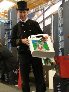 Hebie spendet 2.000 Euro für krebskranke Kinder an die Glückstour 2013
