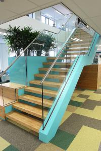 Aqua CL-440-Colorlack eignet sich für die Erstellung farbiger, geschlossenporiger Oberflächen auf allen gängigen Untergründen im Innenausbau (Bildquelle: Remmers, Löningen)