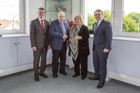 From left to right: Dr. Jochen Kress, member of the senior management of MAPAL, Dr. Dieter Kress, President of MAPAL, Claudia Haimer, managing partner of HAIMER and Andreas Haimer, managing director of HAIMER