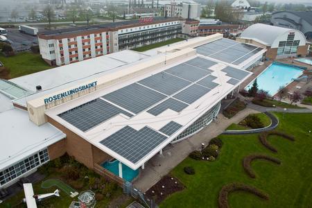 Die Dachanlage mit Dünnschichttechnologie ist bislang die größte in ganz Skandinavien