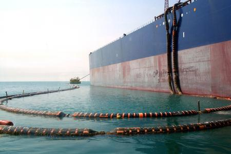 Dunlop Oil & Marine's complete product range has full certification in ac-cordance with the international GMPHOM 2009 standard (Guide to Manu-facturing and Purchasing Hoses for Offshore Moorings) /  Photo: ContiTech