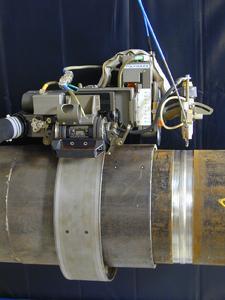 Abb. 4: Schweißfahrwerk Polycar MP mit Standardbrenner zum Engspaltschweißen bis 40 mm Wandstärke Foto: Polysoude