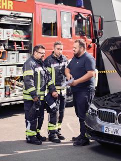 ZF Aftermarket schult Feuerwehren für den sicheren Umgang mit Hochvolt-Systemen / Bild: ZF