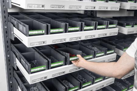 Mobile Fifo-Regale mit bottBoxen machen das Handling einfach und effizient