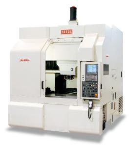Die 3-Achs Fräsmaschine YASDA YBM 950V arbeitet mit prozesssicherer Präzision und der Qualität eines Lehrenbohrwerks. ©Bildquelle: Tecnoteam