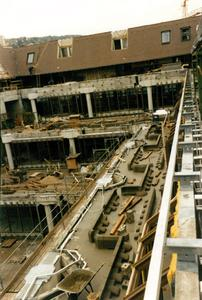 In der Bauphase …, Quelle: Arnold