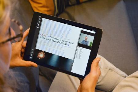 Informatik studieren 4.0 – online, live und neben dem Beruf